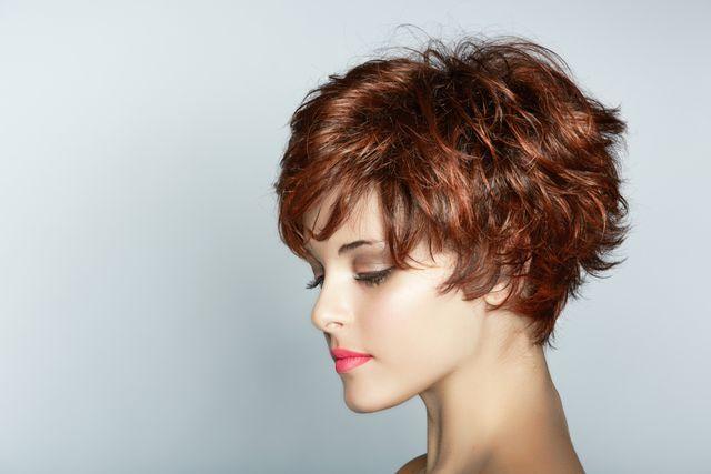 Jak správně používat tužidlo na vlasy