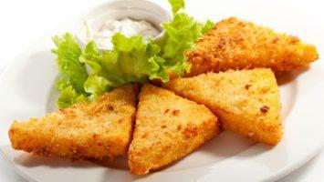 recept jak obalit smažený sýr aby nevytekl