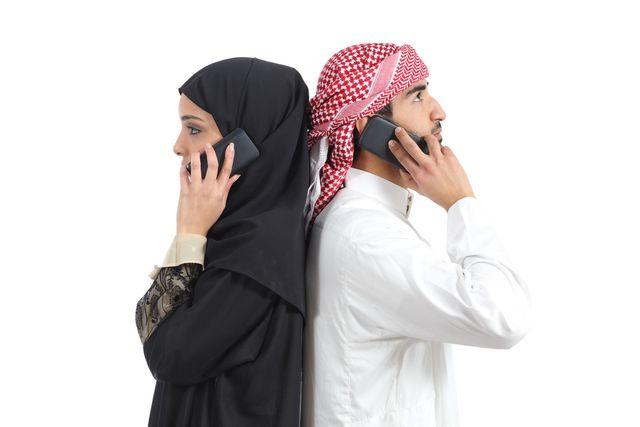 arab-cizinec-telefonovani
