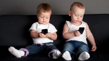 Kdy dát dítěti mobil