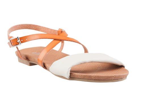 CCC sandály, 349,- Kč. Zdroj: CCC Boty