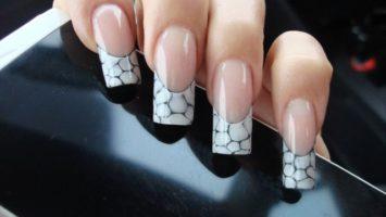 Umělé gelové nehty