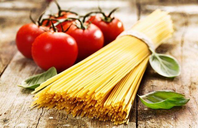 rajčata a špagety