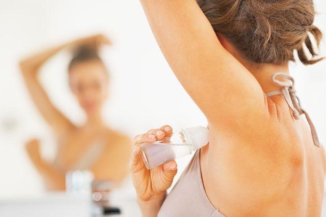 poceni-antiperspirant-deodorant-zrcadlo