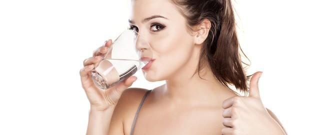 Co může způsobit snížený pitný režim