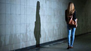 Strach z nočních procházek, stalking