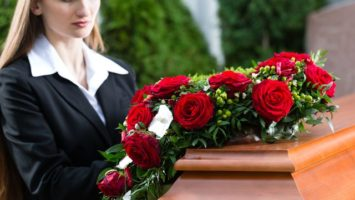 FOTO: Prani na pohreb