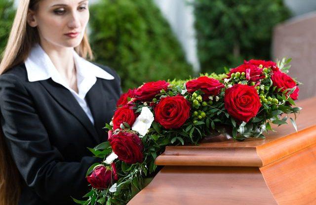 Upřímná soustrast, smuteční kondolence
