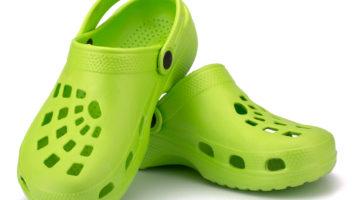 Boty Crocs způsobují závažné problémy