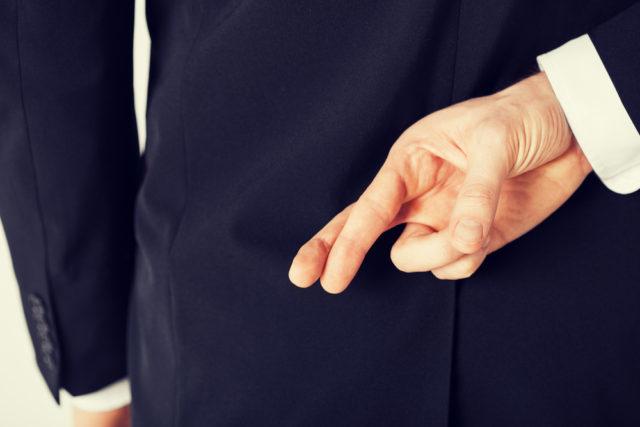 Jak poznat když muž lže