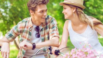 Jak si najít partnera? V létě máte vyšší šanci