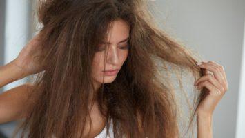Jak na lámání vlasů a třepení nehtů