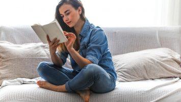 Čtení knih má pozitivní vliv na náš mozek