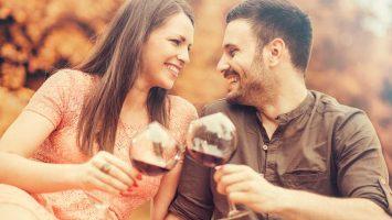 Ženy pijí víc alkoholu s muži