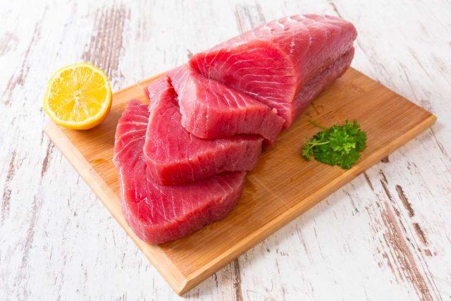Syrový tuňák