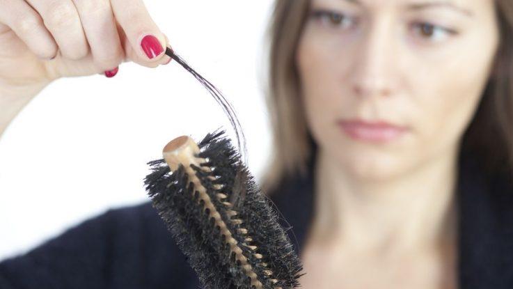 Jak podpořit růst padajících vlasů.