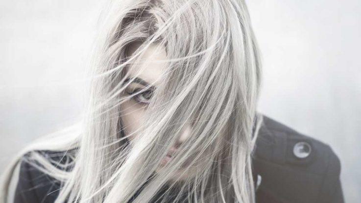 Můžeme zastavit šedivění vlasů