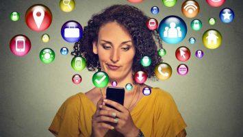 Sociální sítě ničí naše životy, závislost na mobilu