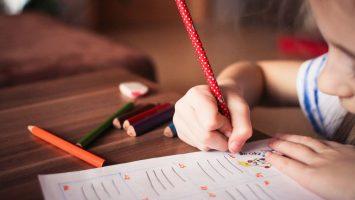 Mají domácí úkoly pro děti význam?