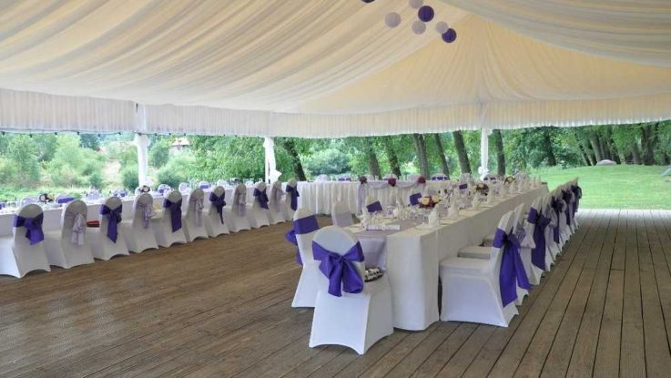 Svatba pod širým nebem, zahradní party stany
