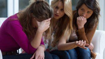 Jak pomoci kamarádce po rozchodu