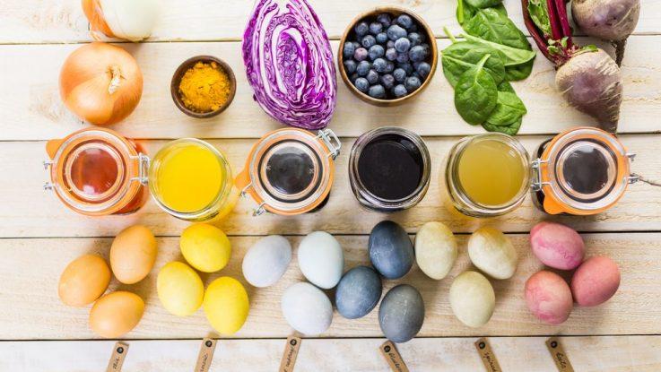 Barvení vajec přírodní cestou