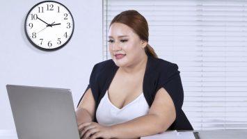 Jak nepřibrat při sedavém zaměstnání
