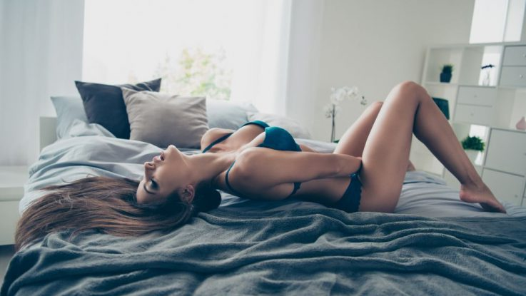 Erotické pomůcky v ložnici
