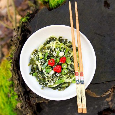 Okurkový wakame salát