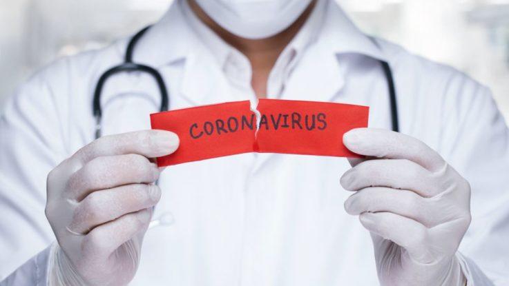 Testování koronaviru nemohou provádět plicní lékaři