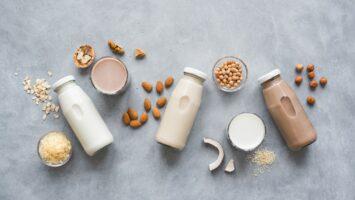 Jak vyrobit rostlinné mléko
